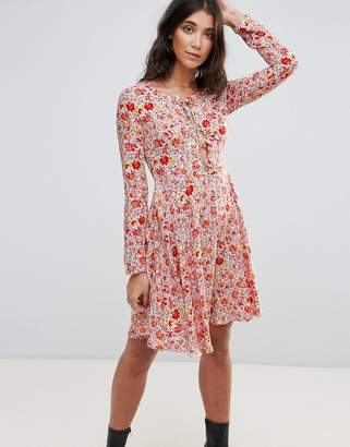 Glamorous Floral Lace Up Dress
