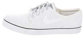 Nike SB Zoom Stefan Janoski Perforated Leather Sneakers w/ Tags