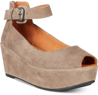 Gentle Souls By Kenneth Cole Nyssa Platform Wedge Sandals Women's Shoes