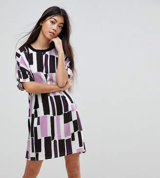 Noisy May Petite Graphic Print T-Shirt Dress