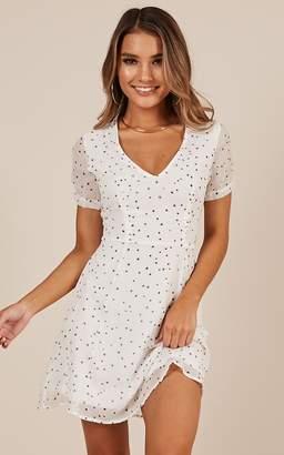 Showpo Casual Party dress in white print - 14 (XL) Sale Dresses