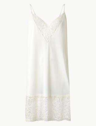 Marks and Spencer Smoothlines Lace Trim Full Slip