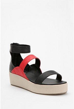 Deena & Ozzy Crosswire Flatform Sandal