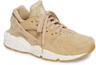 Nike Huarache Run SD Sneaker