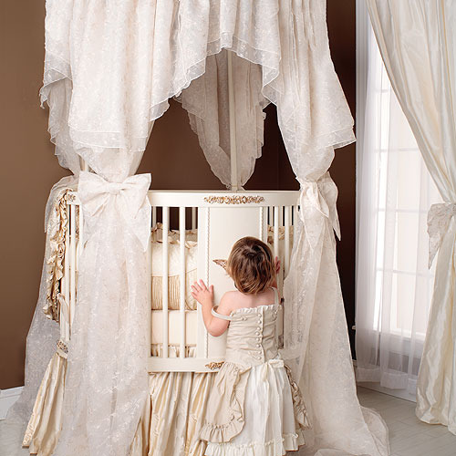 Palace Round Baby Bedding