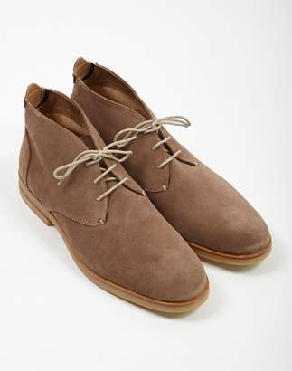 509238957fd Hudson Bedlington Suede Chukka Boot Taupe