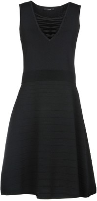 SET Knee-length dresses