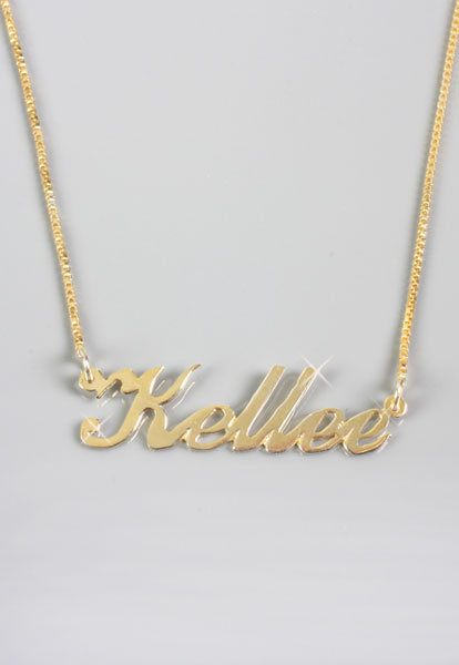 Personalized Nameplate Necklace in Gold