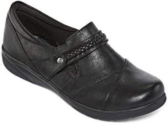 Yuu Womens Darrah Slip-On Shoe Round Toe