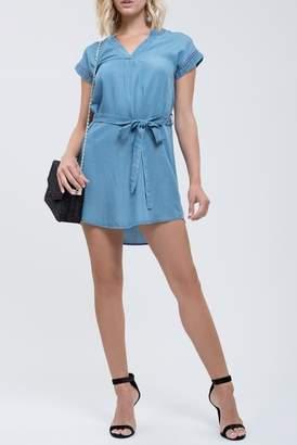 Blu Pepper Chambray Short Sleeve Waist Tie Dress