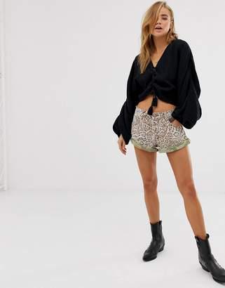 One Teaspoon Bandits leopard print denim shorts