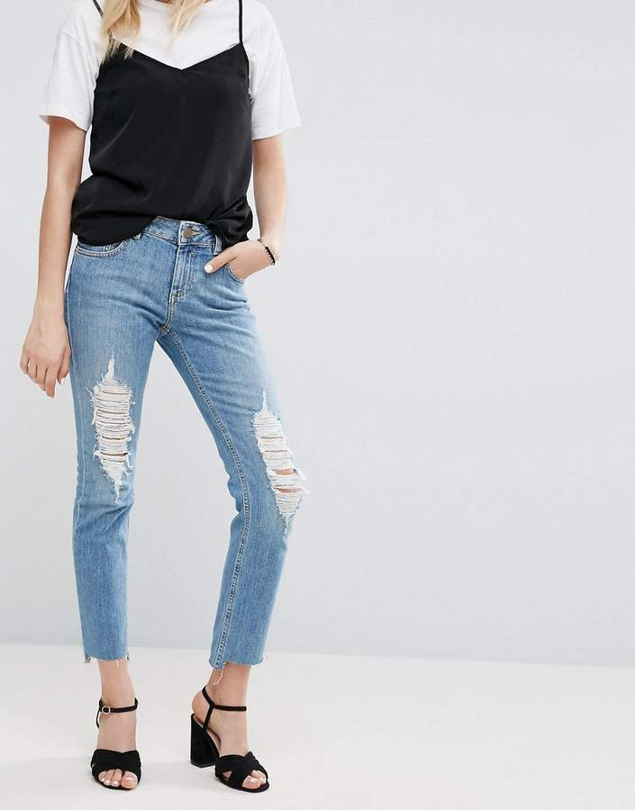 Asos KIMMI Shrunken Boyfriend Jeans In Lillian Pretty Wash with Busts and Stepped Hem