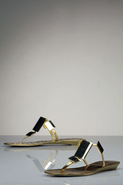 Dolce Vita Athens T-Strap in Brass Gold
