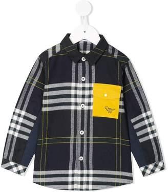 Familiar contrast pocket shirt