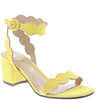 Unisa Eadldyn Scalloped Ankle-Strap Sandals