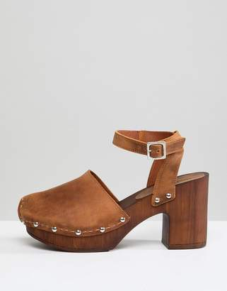 Asos DESIGN Tinker Leather Clogs