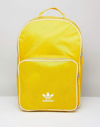 adidas adicolor Backpack In Yellow CW0634