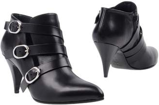 Kalliste Booties - Item 11365178LU