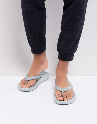 Nike Solay Thongs In Grey 882690-008