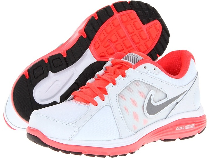 Nike Dual Fusion Run Shield (Blue Tint/Bright Crimson/Metallic Cool Grey) - Footwear