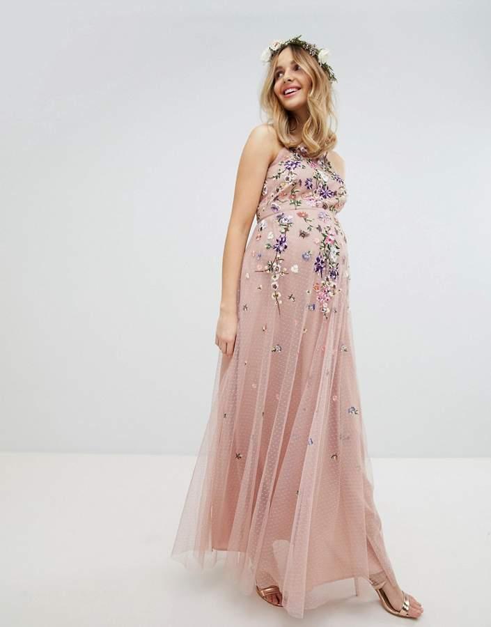 DESIGN Maternity – Brautjungfern-Maxikleid aus gepunktetem Netzstoff mit Blumenstickerei und Camisole-Trägern