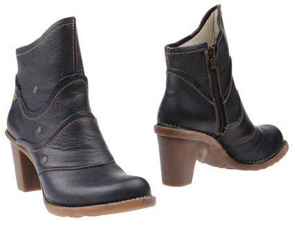 El Naturalista Ankle boots