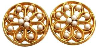Chanel Gold Tone Metal Simulated Glass Pearl Round Earrings