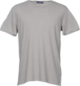 WOOL & CO T-shirts