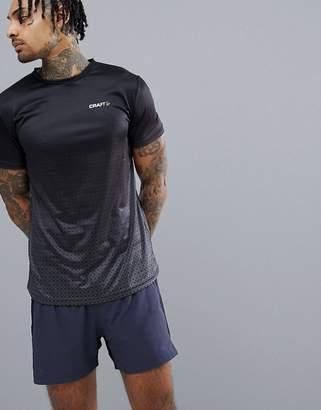 Craft Running Breakaway T-Shirt In Black With Hex Print 1905835-999000