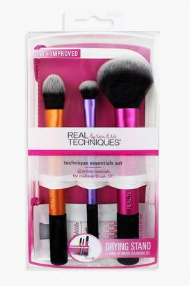 boohoo Real Techniques Brush Case & Cleansing Gel