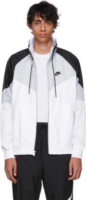 Nike (ナイキ) - Nike グレー and ホワイト スポーツウェア ウィンドランナー ジャケット