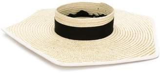 Eugenia Kim Gita hat