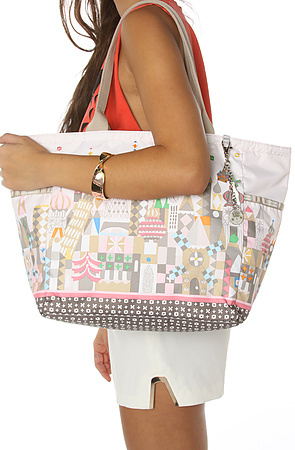 Le Sport Sac The Picture Tote with Charm in See the World