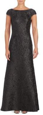 Vera Wang Short Sleeve Crinkled Metallic Jacquard Gown