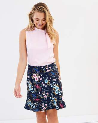 Review Esmeralda Floral Skirt