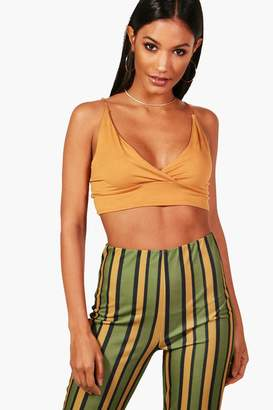 boohoo Holly Basic Strappy Back Crop