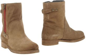 QUIKSILVER Ankle boots $202 thestylecure.com