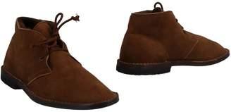 Le Crown Ankle boots