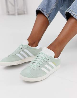 new styles 0c373 ebe50 adidas green Gazelle trainers