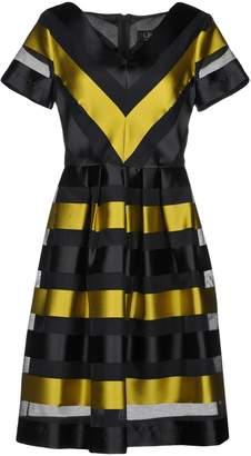 Clips Knee-length dresses - Item 34846324GN