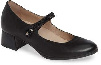 Dansko Pearlina Pump