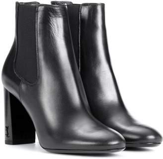 3f5e17cf1f4 Saint Laurent Babies 95 leather ankle boots