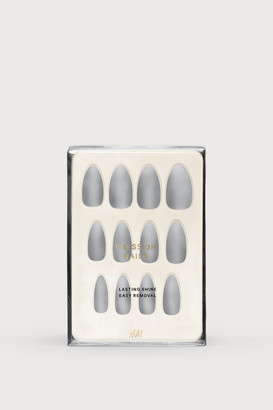 H&M Press-on Nails - Gray