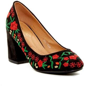 Elegant Footwear Kasia Embroidered Pump