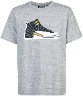 Mostly Heard Rarely Seen 8-Bit sneaker appliqué T-shirt