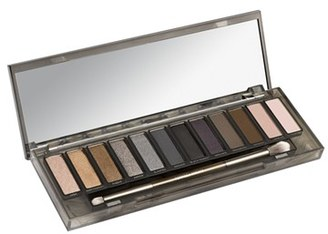 Urban Decay 'Naked Smoky' Palette - No Color $54 thestylecure.com