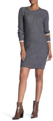 Fate Short Sleeve Front Zip Dress