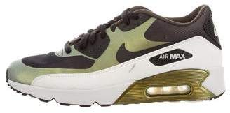 Nike 90 Low-Top Sneakers