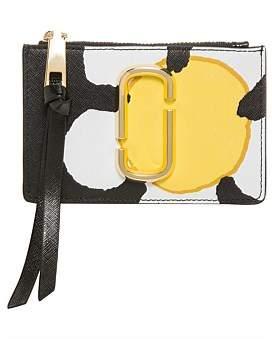 Marc Jacobs Snapshot Daisy Top Zip Wallet