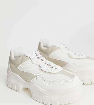 56cbe3a768 Asos Design DESIGN Wide Fit Dart chunky trainers in white